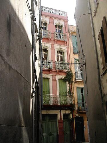 Sight on Grande-la-Real street