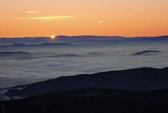 První paprsek slunce roku 2017 vycházející zpoza Jeseníků.