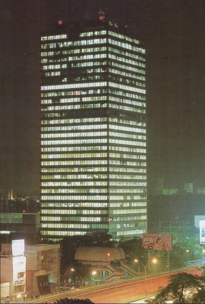 Gedung Landmark - Majalah Eksekutif, Juli 1989