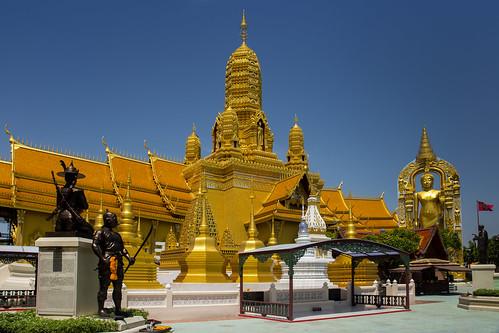 thailandbangkokancientcity34templeoftheanatomyoftheuniversedsc6231 templeoftheanatomyoftheuniverse anatomyoftheuniverse thaitemple buddhisttemple ancientsiam ancientcity mueangboran samutprakan bangkok thailand asia travel travelphotographer travelphotography เมืองโบราณ buddhism buddhist temple gold golden