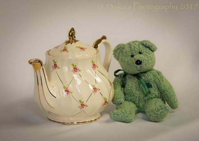Posing with a Teapot (HTT)