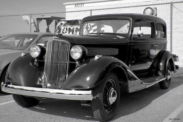1934 Pontiac Model 603 2 Door Sedan VII with seating for 5