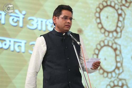 Hindi poem by Lalit Kaushik from Panvel