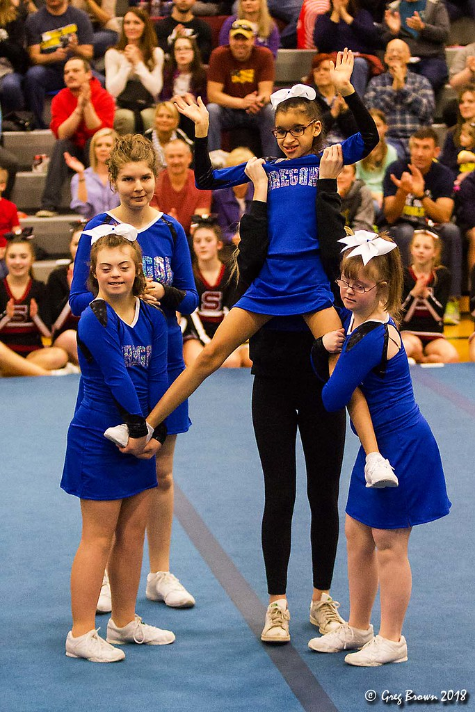 Oregon Dream Teams Inspire | Our daughter's cheer team perfo