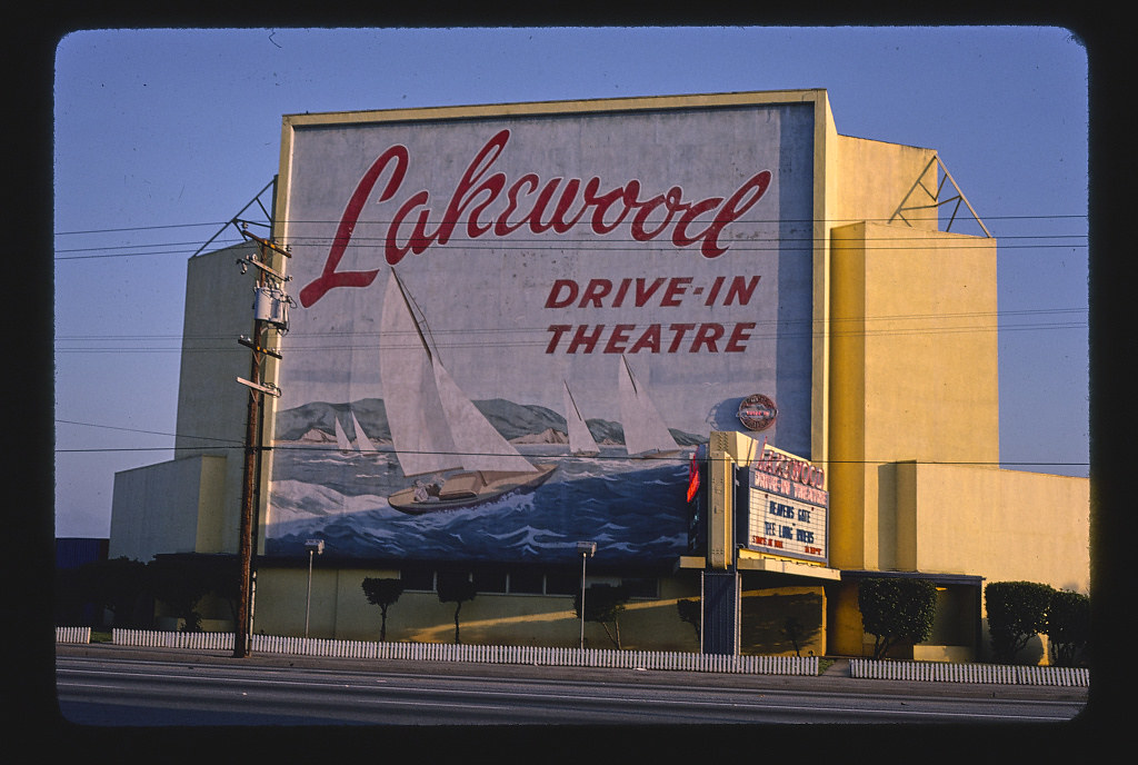 Lakewood Drive In Theater Carson Street Lakewood Califo Flickr