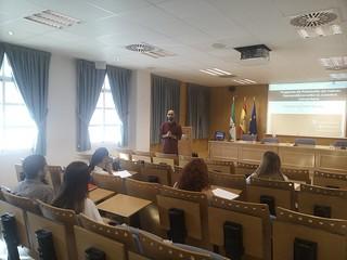 Curso Consumo Consciente: herramientas para un consumo crítico y alternativo. Universidad Pablo de Olavide | by Juan Manuel Vilches