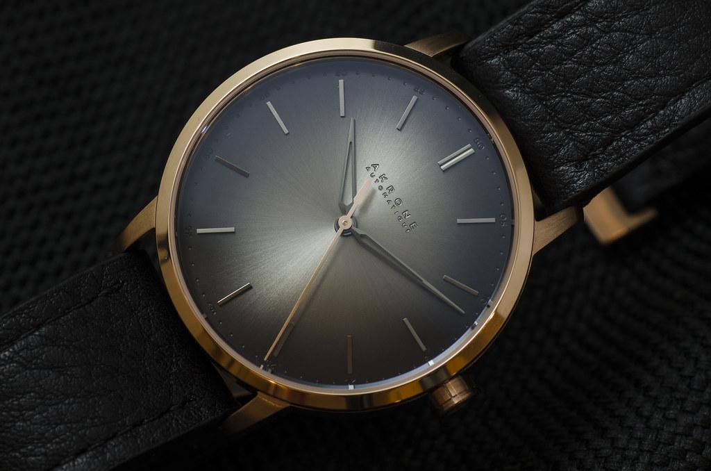 Akrone : des montres, tout simplement 40054371471_0188f6527b_b