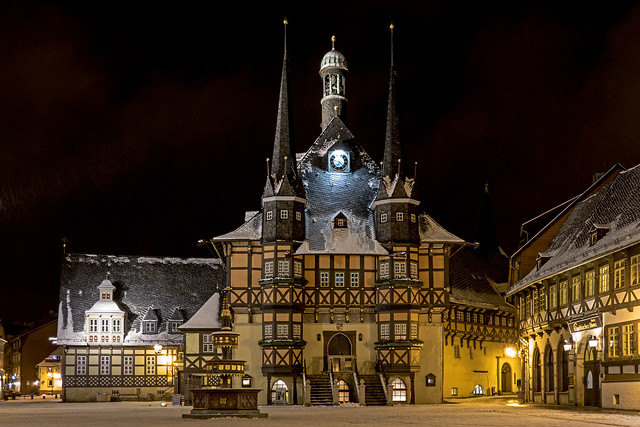 Rathaus in the falling snow