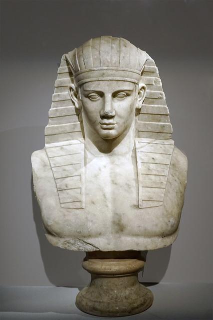 Antinoüs en Osiris (Musée Guimet / MNAAG, Paris)
