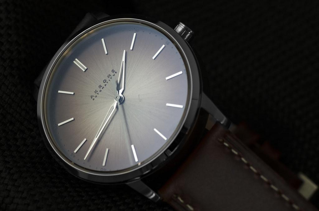 Akrone : des montres, tout simplement 25183307757_4a1b5b9a06_b