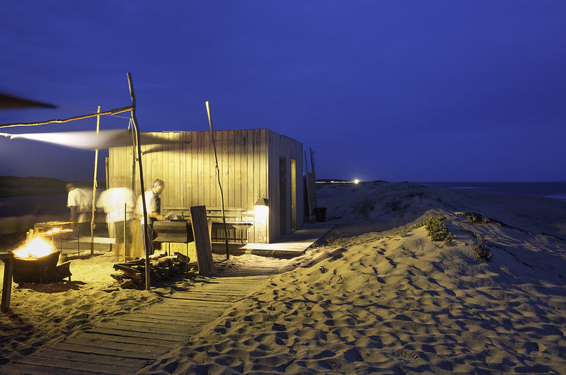 Permanent structures provide an association with the untamed bush through outddor kitchens and ablution areas