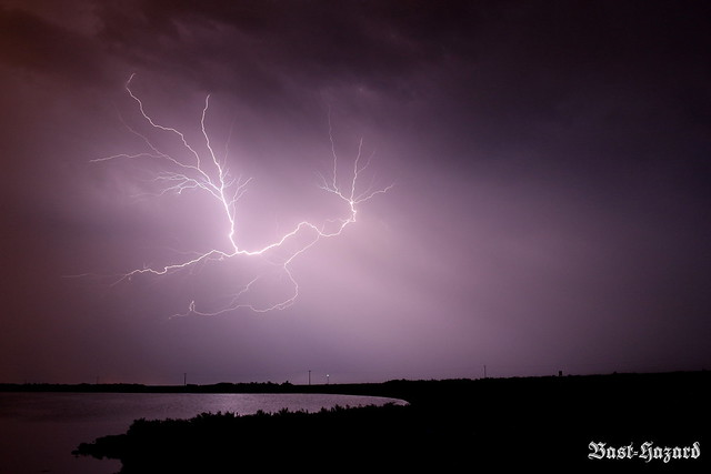 éclair - lightning