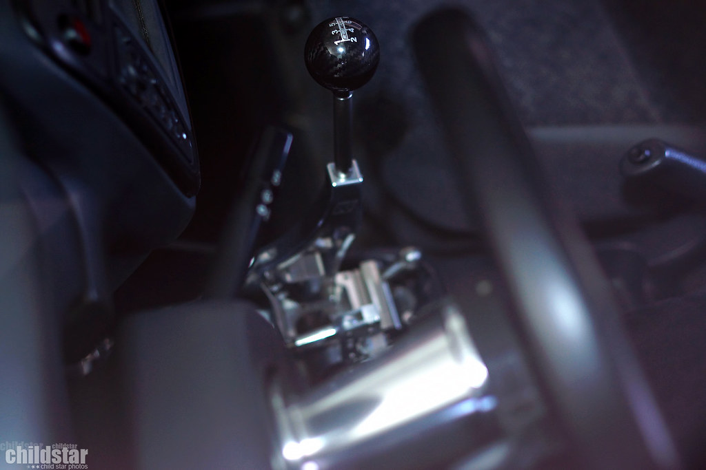 K-Tuned race spec shifter with mugen carbon fiber spherica