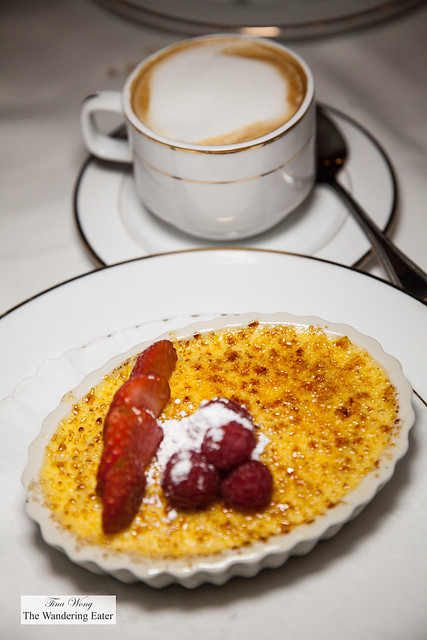 Creme brulee and cappuccino