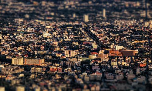 chiangmai chiangmaithailand northernthailand cityscape aerial urban vista landscape tiltshift architecture buildings watphrathatdoisuthep goldenhour evening siam thai southeastasia nikond5100 tamron18270 photoshopbyfehlfarben thanksbinexo