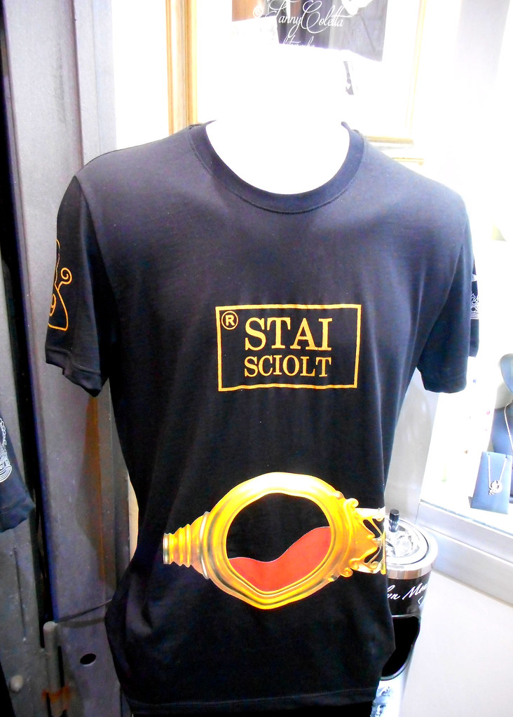 Neapolitan irony: Saint January keen on football