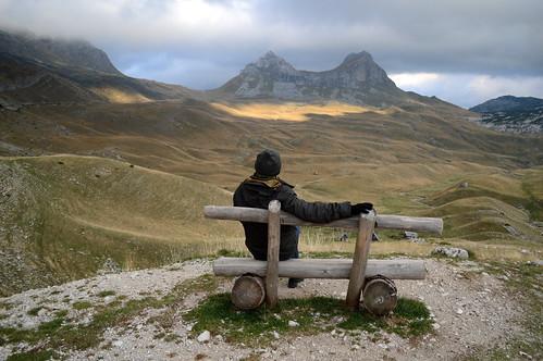 durmitor durmitornationalpark nationalpark mountains view montenegro czarnogóra landscape widok góry bench ławka człowiek human man