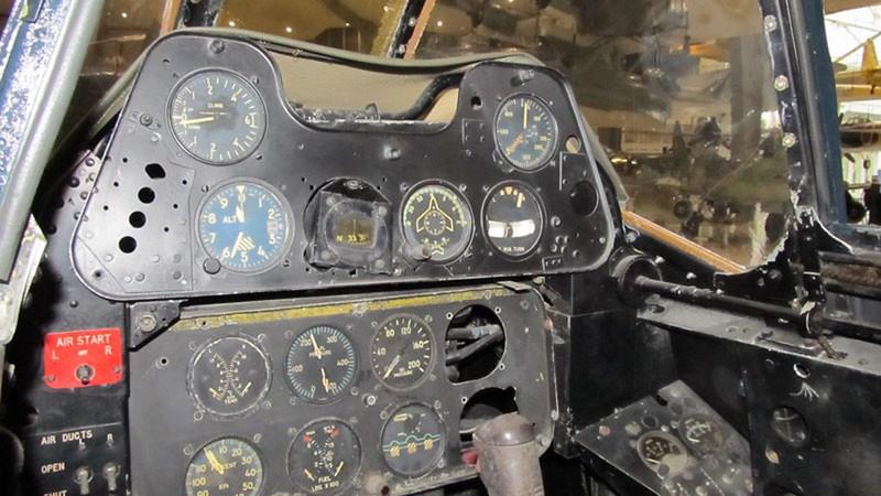 McDonnell Douglas FH-1 Phantom 2