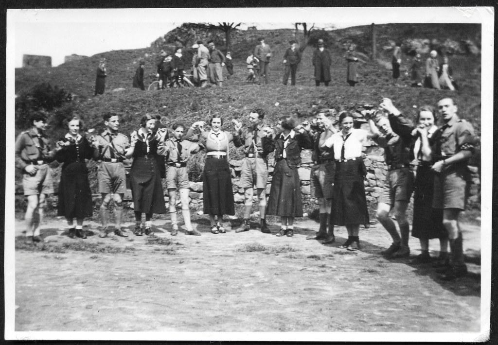Archiv O756 Sommertanz Hj Und Bdm Maiden 1930er Foto Entw Flickr