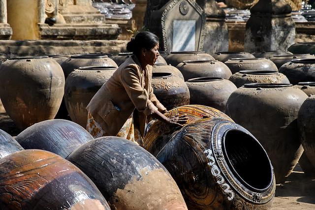 Pottery, Bagan