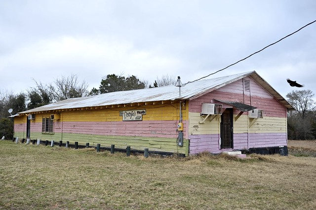 Doozie's Place - (New) Dime Box,Texas