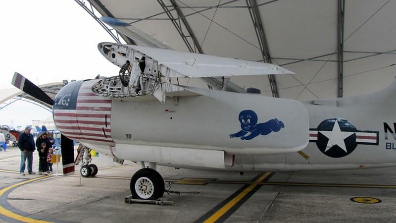 グラマン C-1A トレーダー 4