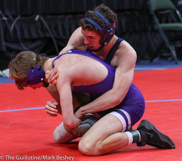 145A Semifinal - Brady Tweeton (Barnesville) 44-1 won by decision over Lukas Meier (Crookston) 36-9 (Dec 6-0) - 180303amk0040