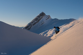 Ski at sunrise | by Frédéric Pactat