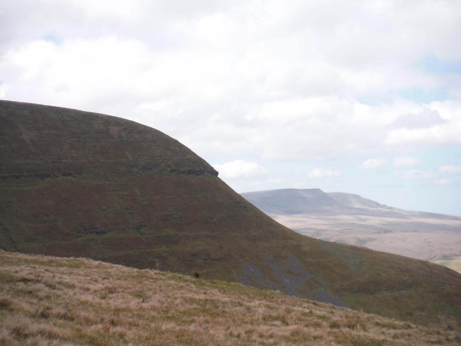 Fan Gyhirych and The Black Mountain (Y Mynydd Du) SWC Walk 307 - Fforest Fawr Traverse (Craig y Nos to Llwyn-y-celyn)