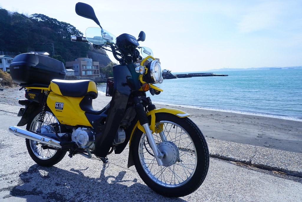 愛車、津浜の海にて