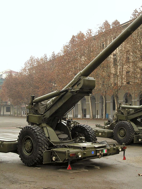 FH-70 155mm Field Howitzer 2