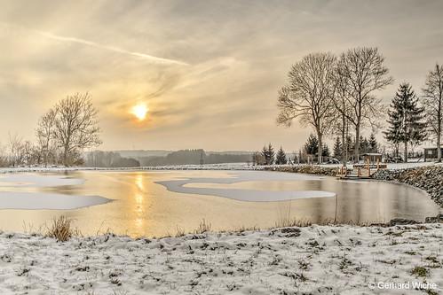sunset sonnenutergang pond teich eis schnee himmel sky sonne sun wolken h