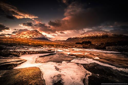 clouds landscape nature rocks scotland snow river glencoe sunset highlands mountains buachaille