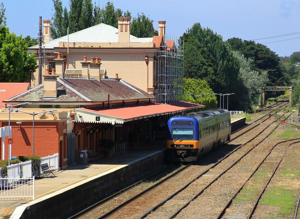 2853 sits at Moss Vale station for a Sydney bound service by bukk05