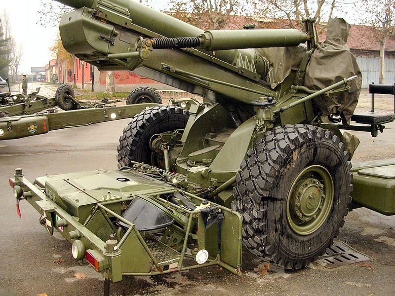 FH-70 155mm Field Howitzer 6
