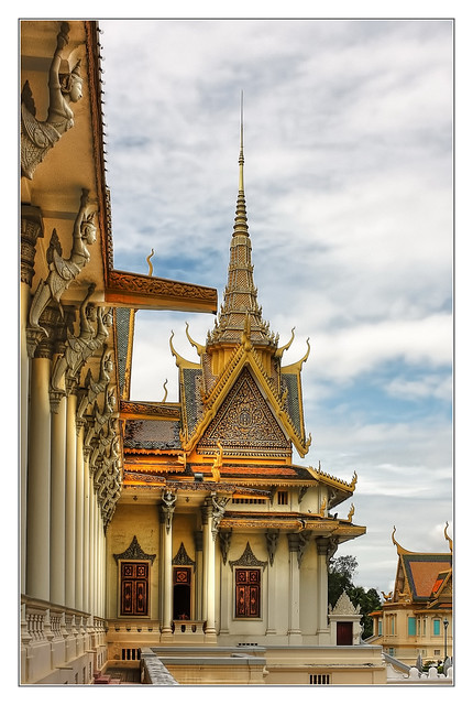 Phnom Penh K - The throne hall inside the Royal Palace complex 06
