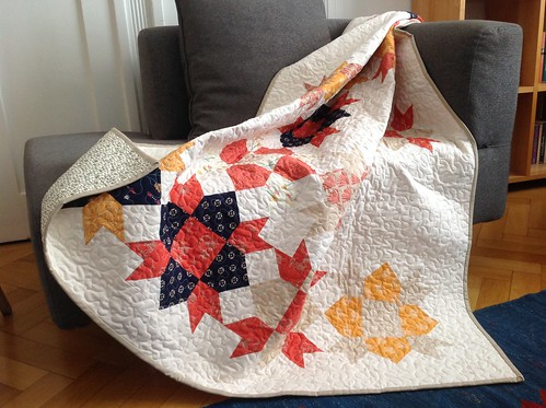 Weathervane Quilt – auf dem Sofa