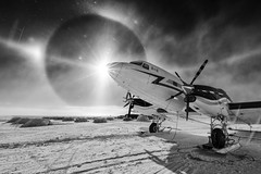 DC-3 AT THE SOUTH POLE
