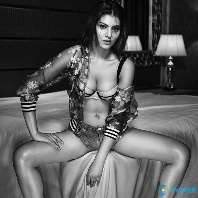 Urvashi Rautela Wet and Sexy Look