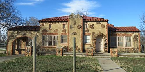 weird residence smalltown masonry ozona texas architecture architecturaldetails