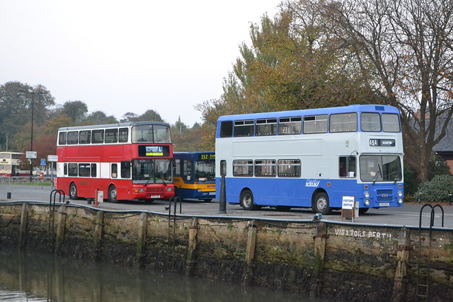 London General NV171 R371LGH & Derby City Transport 153 E153BTO