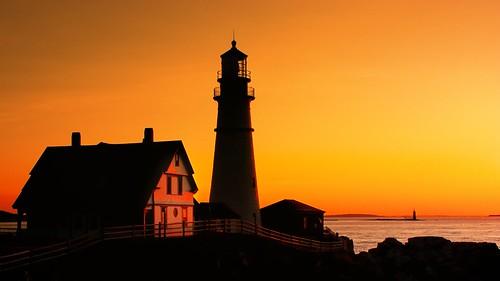 maine sunrise lighthouse portlandhead dawn portland portlandheadlight capeelizabeth newengland