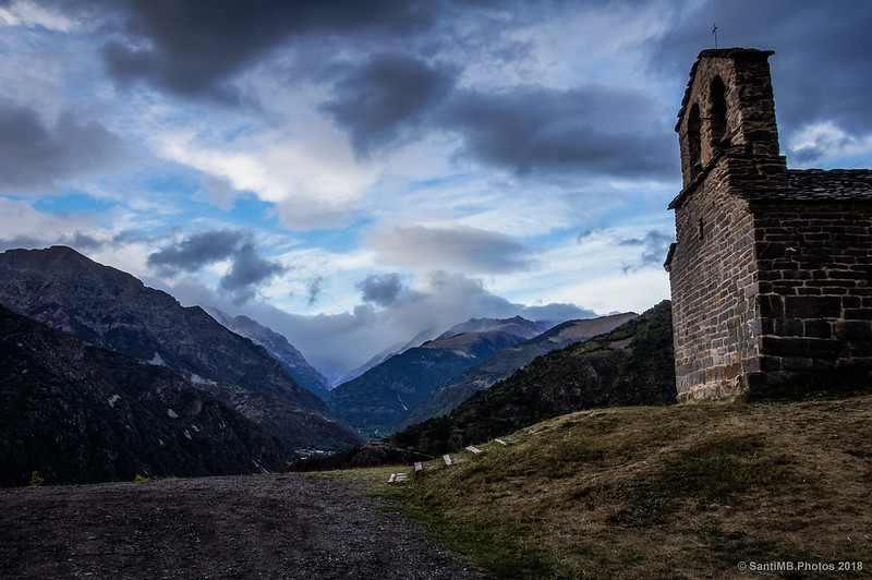 Nubes de tormenta sobre la Vall de Boí en Sant Quirc de Durro