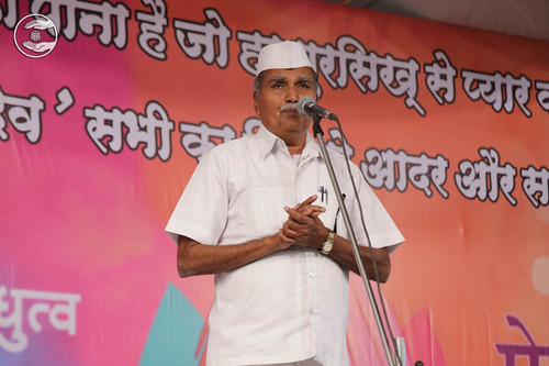 Nathu Ram Patil from Dondaicha, expresses his views