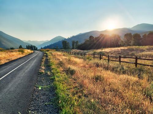 sunrise fence hdr iphone