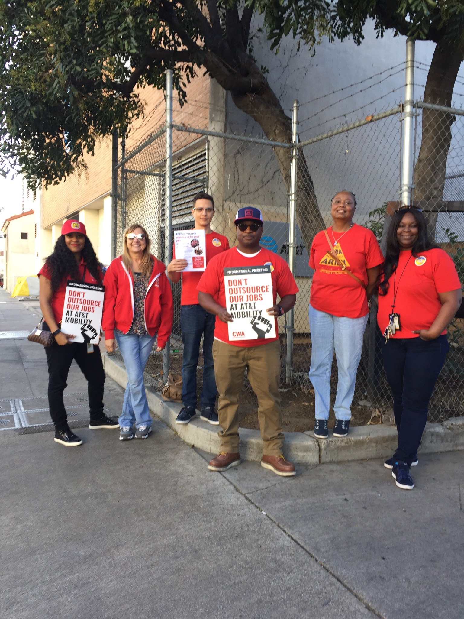Local 9003 shows Solidarity in Los Angeles