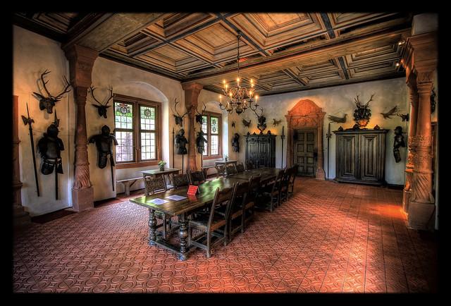 Mespelbrunn - Schloss Mespelbrunn Rittersaal 02