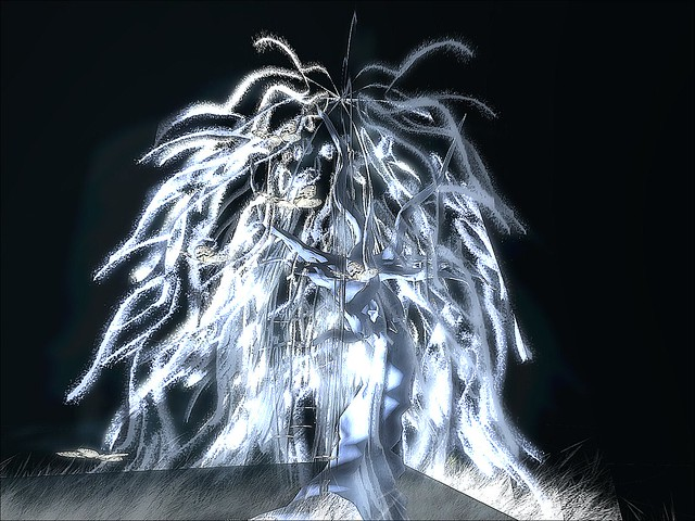 Chanty's Creations  -Ghost Willow