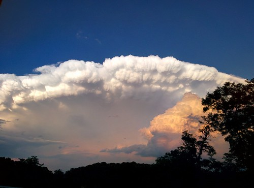 sunset storm clouds virginia cumulus lenticular altocumuluslenticularis