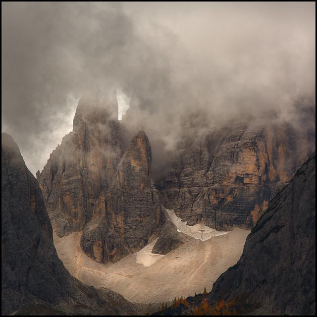 Wolkennebel in den Dolomiten